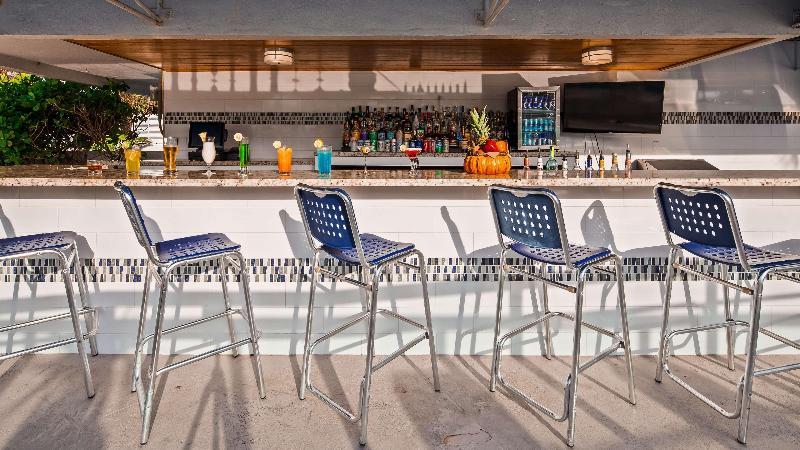Pool Best Western Plus Atlantic Beach Resort