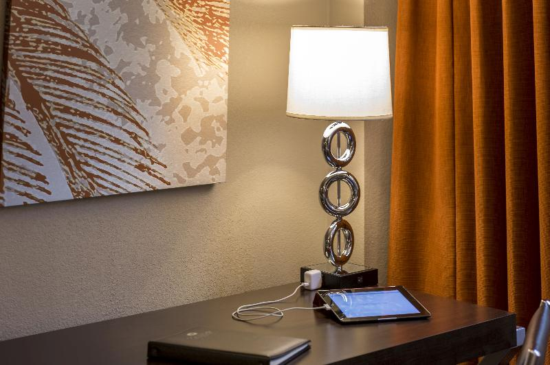Room Crowne Plaza Miami Airport