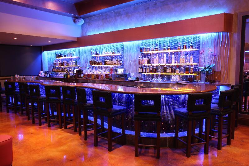 Bar Newport Beachside Hotel & Resort