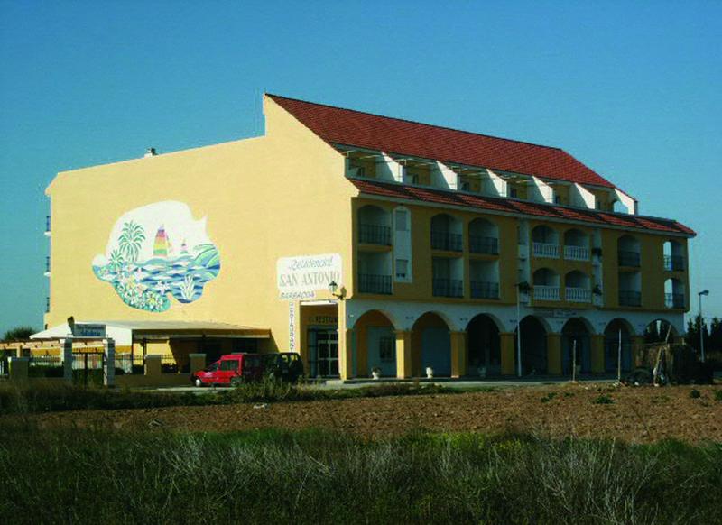 imagen de hotel Aptos. San Antonio