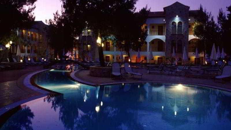 Pool Lesse