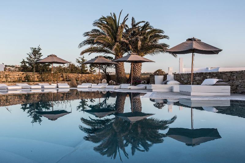 Pool Ostraco Luxury Suites
