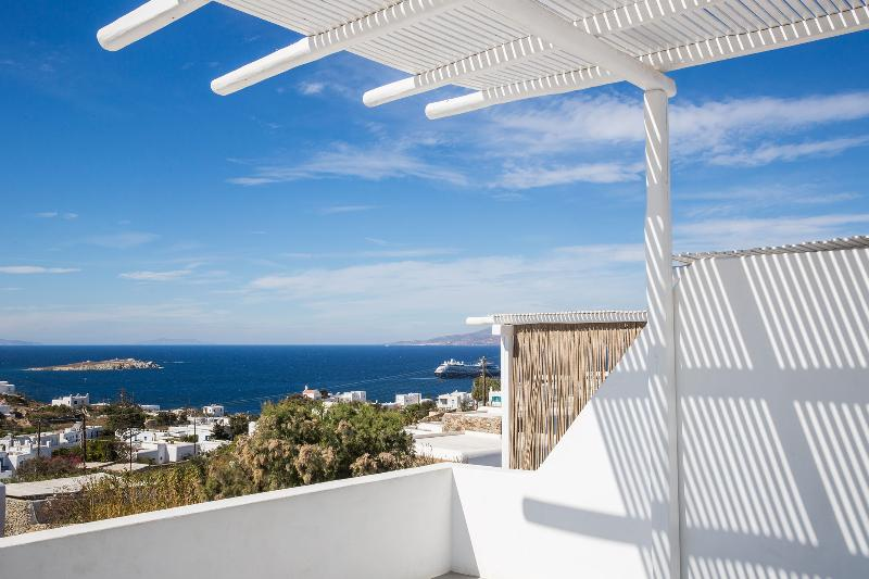 Terrace Ostraco Luxury Suites