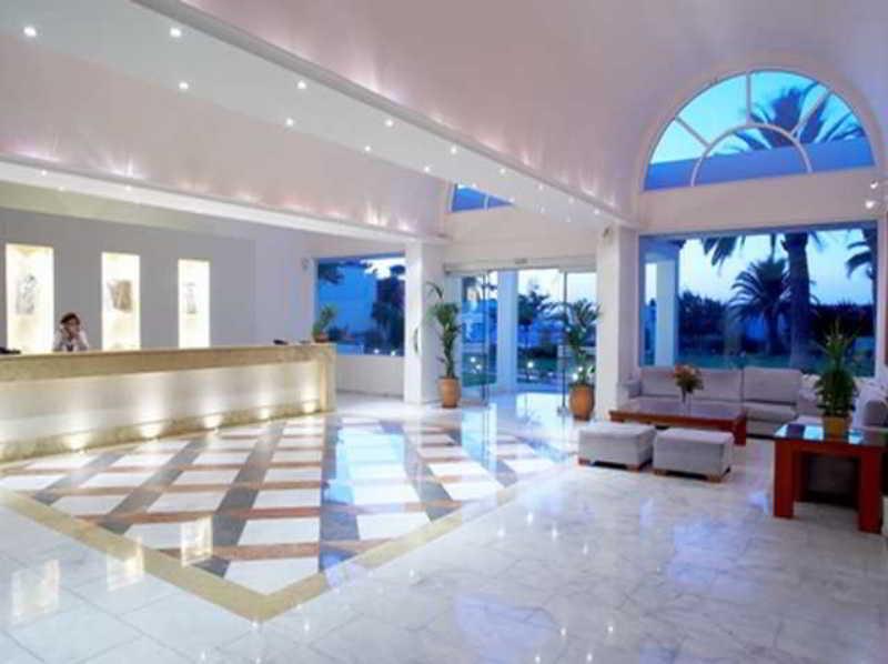 Lobby Avra Beach