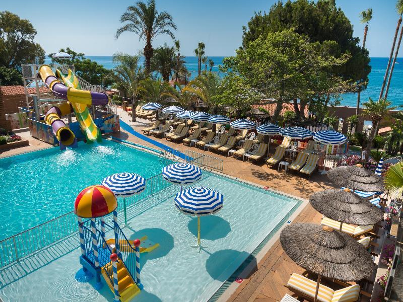 Pool Amathus Beach Hotel Limassol