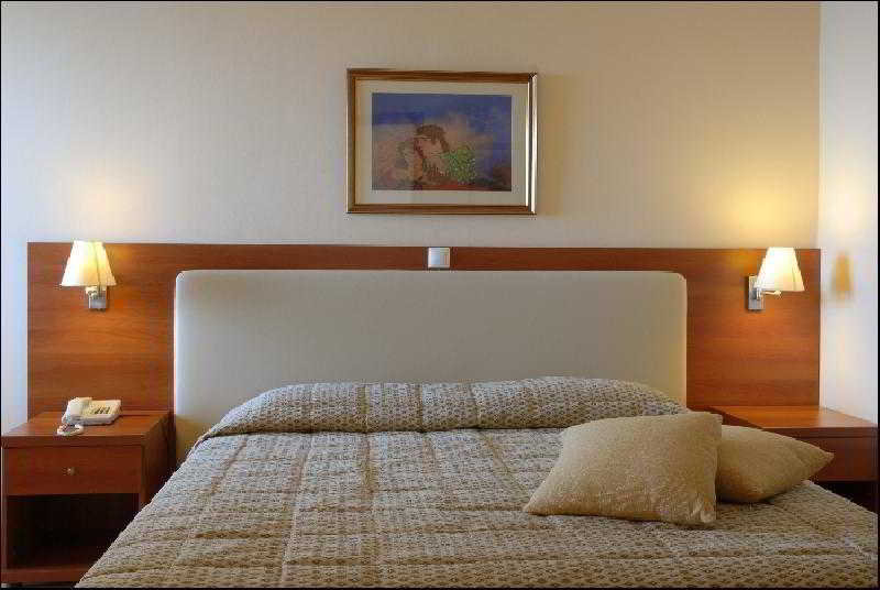 Room Atlantica Nissaki Beach