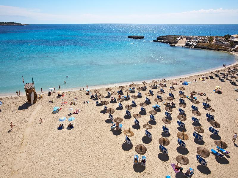 Beach Universal Hotel Perla