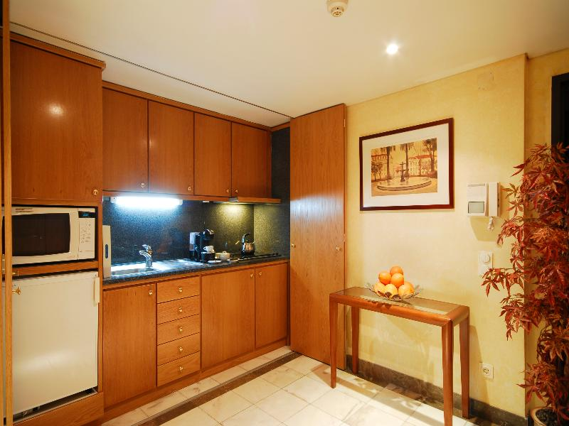 Room Altis Suites