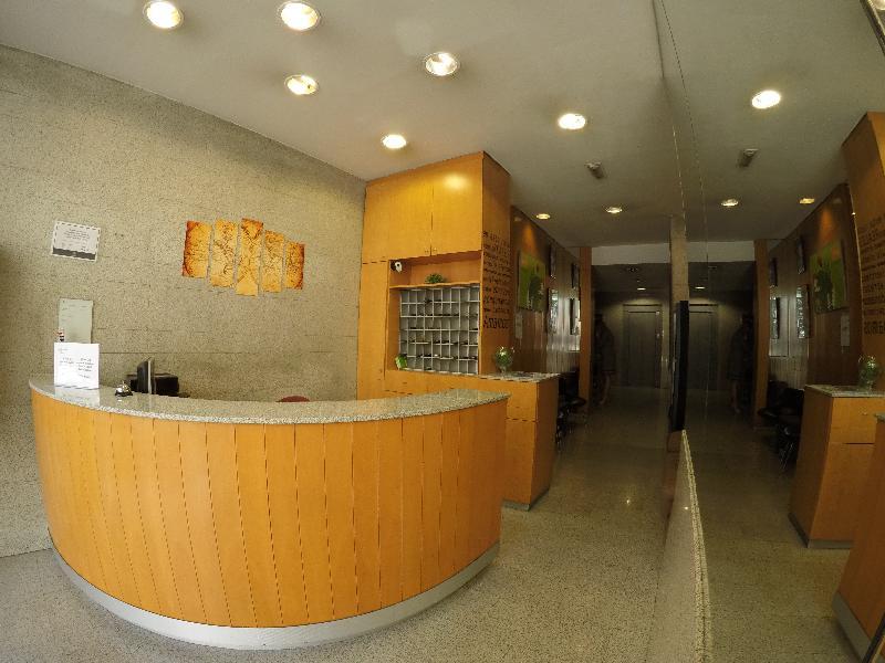 Lobby City M28