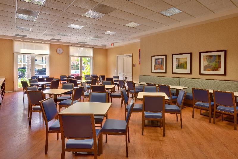 Restaurant Cortona Inn & Suites Anaheim Resort