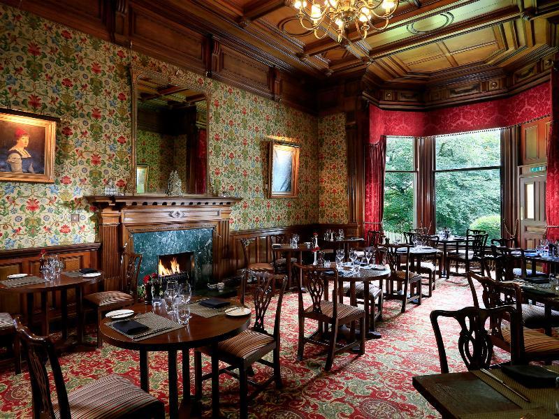 Restaurant Macdonald Norwood Hall