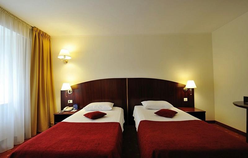 Room Minerva