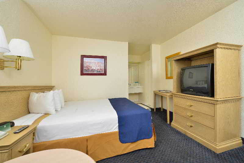 Americas Best Value Inn and Suites  Las Vegas Air