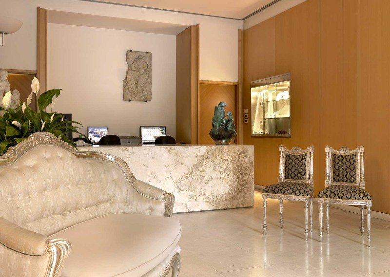 ホテル パラッツォ オニサンティ