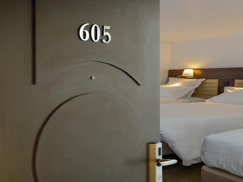 Room Monsigny