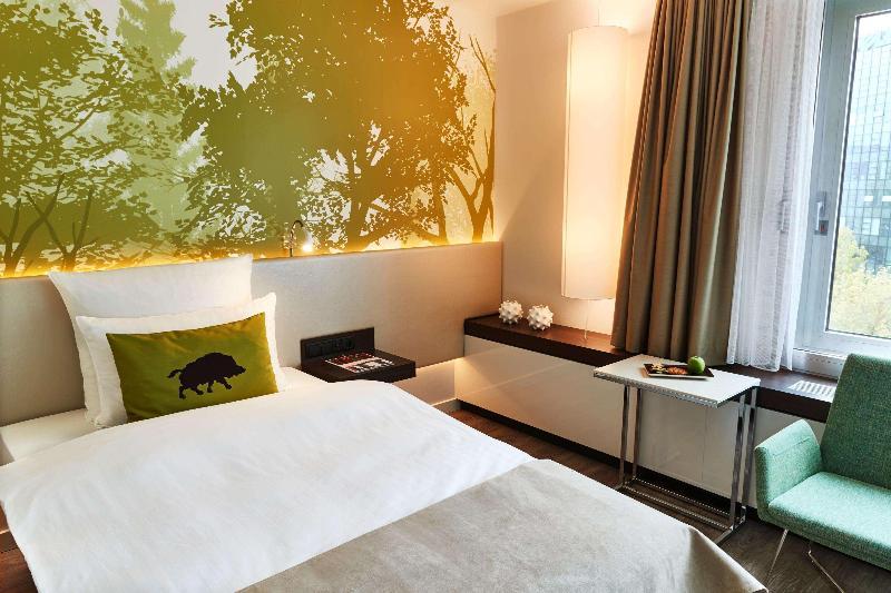 Room Steigenberger Airport Hotel