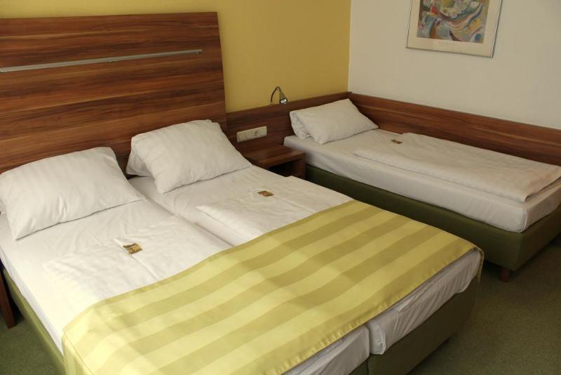 Wallis - Hotel - 6