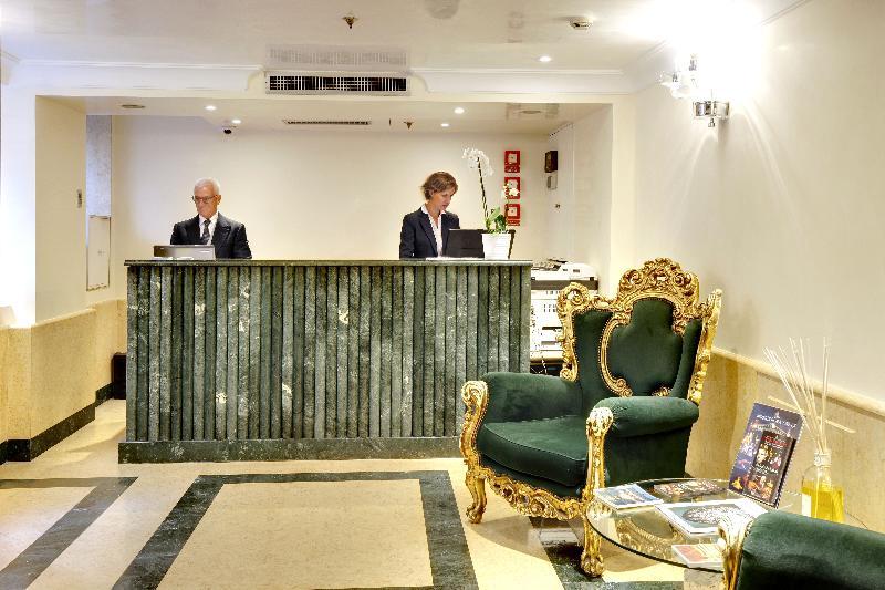 Lobby Dona Palace