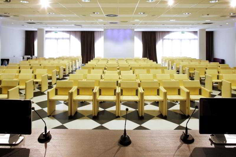 Conferences Yes Hotel Touring