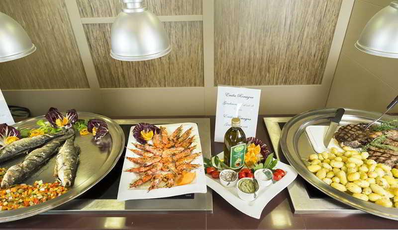 Restaurant Yes Hotel Touring
