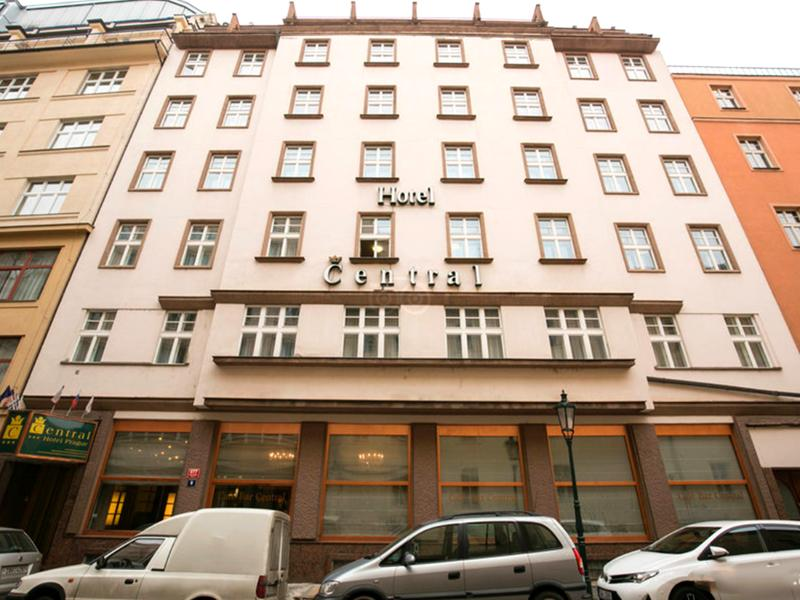 Central hotel prague cheap and budget central hotel for Central prague