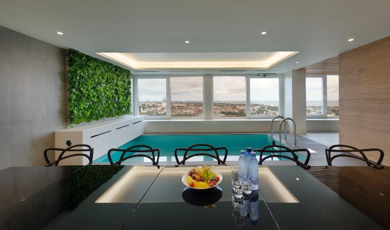 Pool Radisson Blu Hotel Olümpia