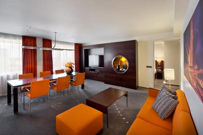 Room Radisson Blu Hotel Olümpia