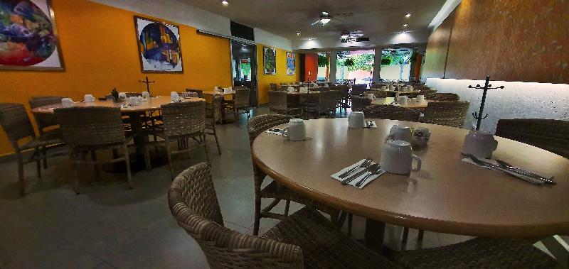 Restaurant Azteca Inn