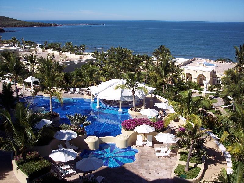 Pool Pueblo Bonito Emerald Bay Resort & Spa