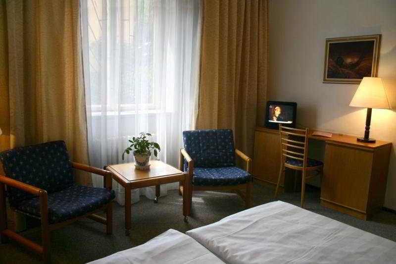 Room Ea Hotel Jasmin