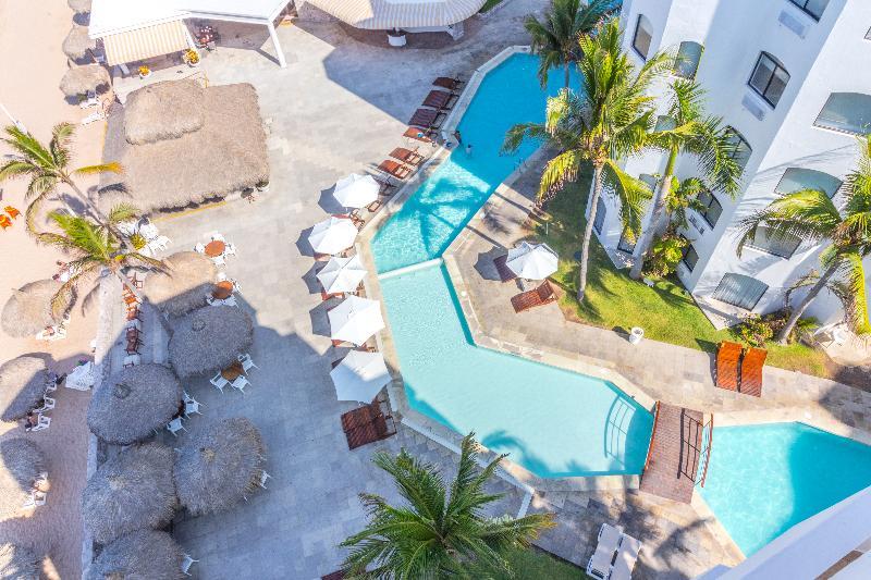 Pool Ramada Resort Mazatlan