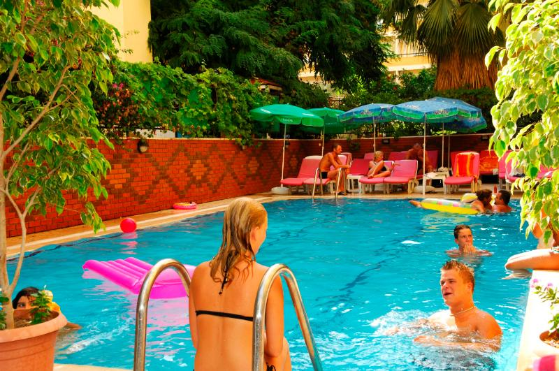 Bilkay - Pool - 11