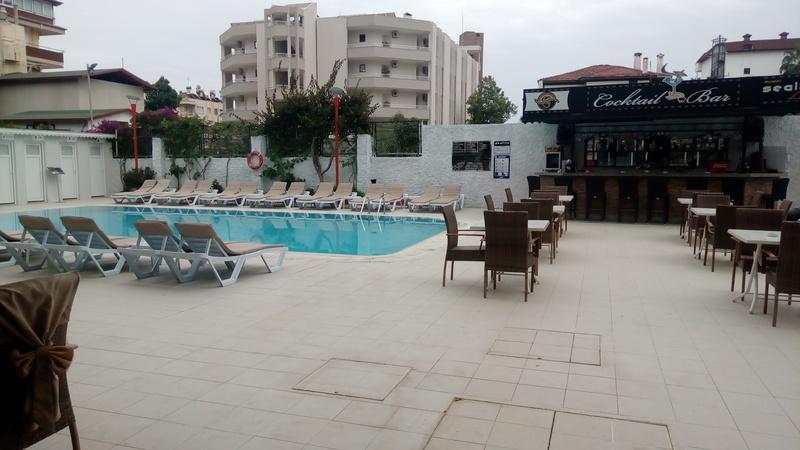Terrace Sealine Hotel