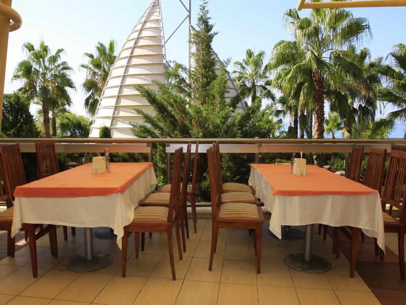 Terrace Pegasos Royal