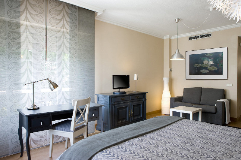Room Th Aravaca