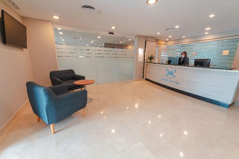 Lobby Hotel Monte Rozas