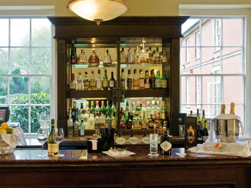 Bar Macdonald Ansty Hall