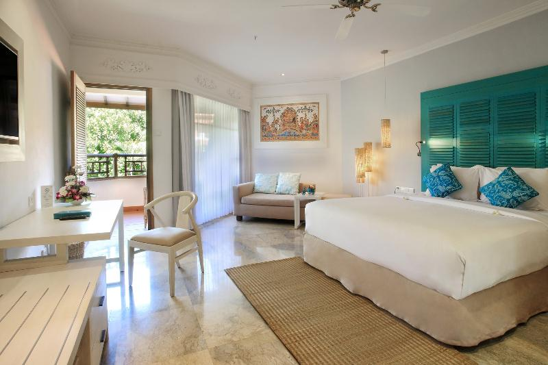 Room Sol Beach House Benoa Bali