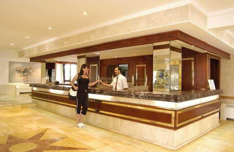 Lobby Hotetur Hotel Lago Playa