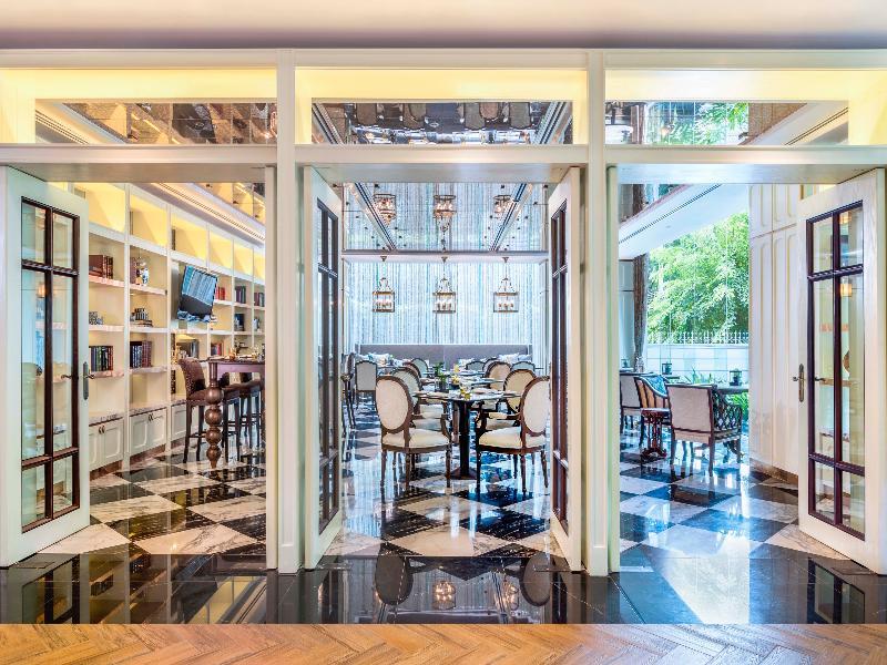 Restaurant Plaza Athenee Bangkok, A Royal Meridien Hotel