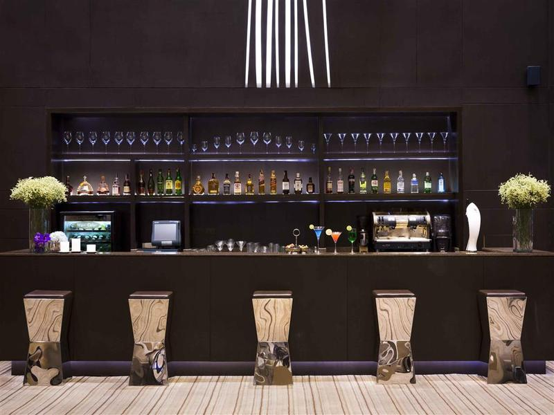 Bar Grand Mercure Bangkok Fortune