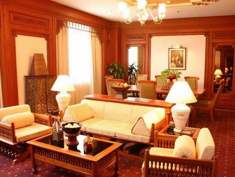 Lobby Chiang Mai Plaza Hotel