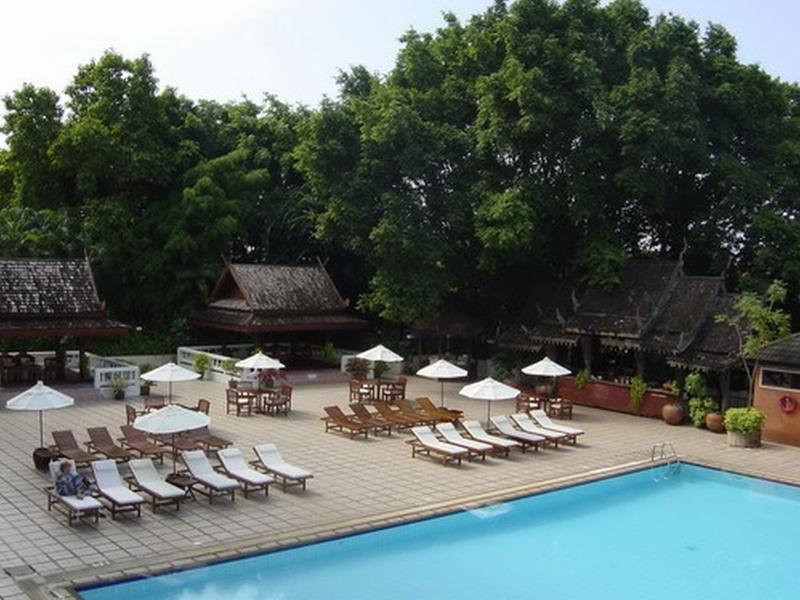 Pool Chiang Mai Plaza Hotel