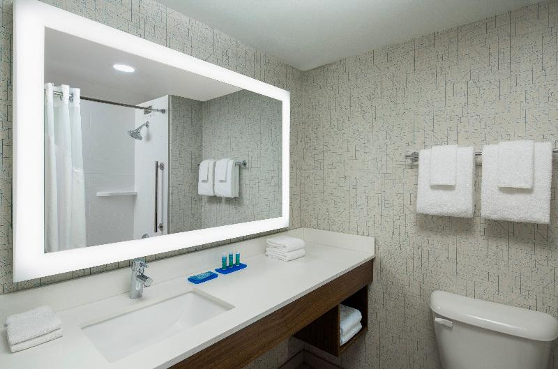 Room Holiday Inn Express Nashville Downtown