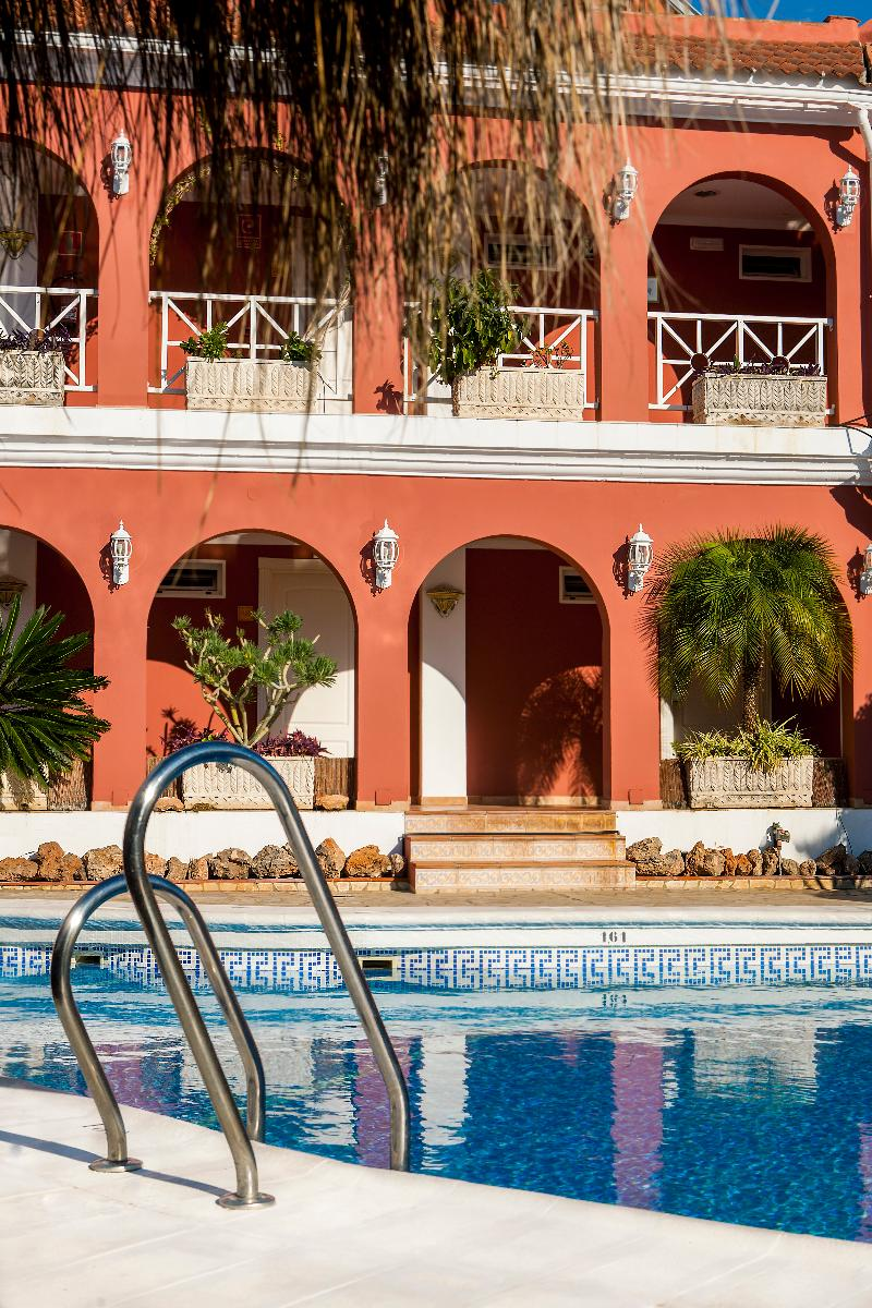 Pool Los Arcos
