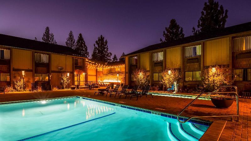 Pool Best Western Plus Truckee-tahoe Hotel