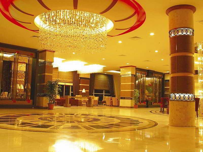 Lobby Grand Ring