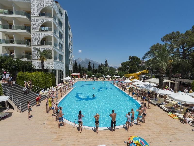 Pool Grand Ring
