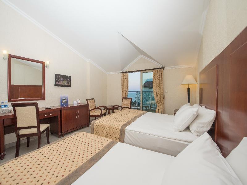 Room Grand Ring