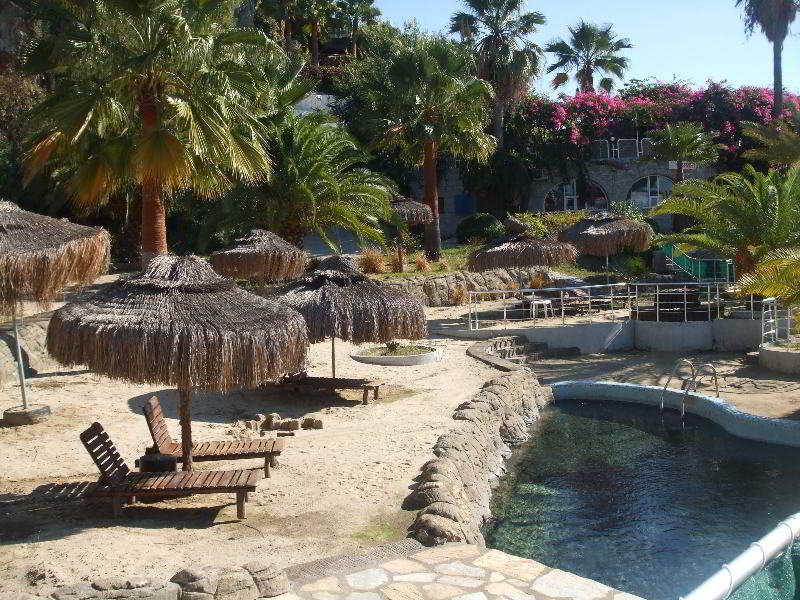 Pool Therme Maris Health & Spa Resort